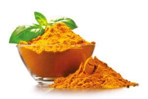 Rimedi Naturali Donna: Curcuma, ha proprietà antiossidanti ed è un ottimo rimedio per preparare la pelle al sole